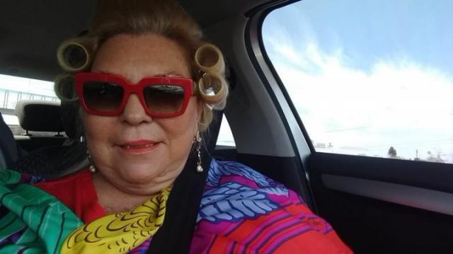 Carrió es modelo y vende ropa (y buzones): By Lilitas, política y negocios